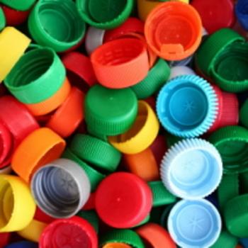 comprare a buon mercato nuovo economico nuovo stile Raccolte di tappi di plastica vicine e lontane: SOS! | Tina ...