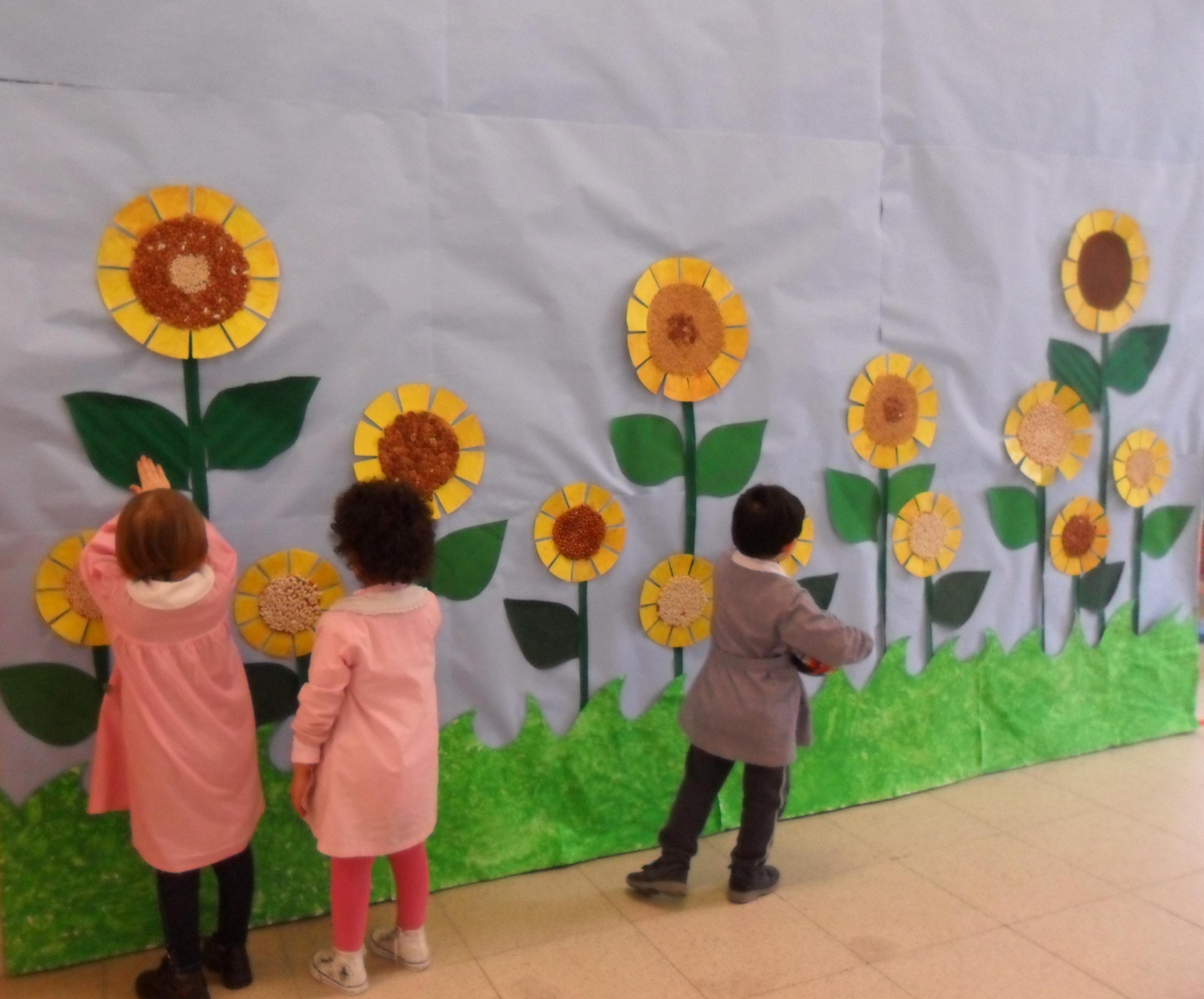 La scuola a primavera tina festa - Addobbi finestre scuola infanzia primavera ...